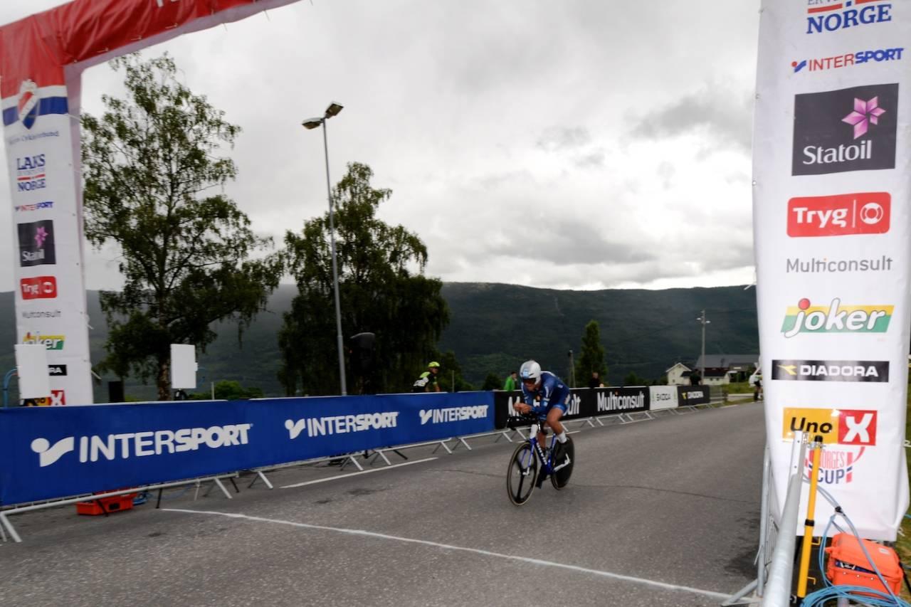 OVERLEGEN: Iver Johan Knotten vant seniorguttas tempo med over 20 sekunders margin. Foto: Kent Murdoch