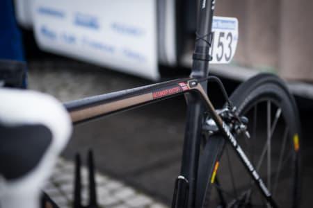 BRONSE: Kristoffs OL-medalje i bronse har satt sitt enkle preg på sykkelen hans med en stripe på overrøret ned over setestaget.