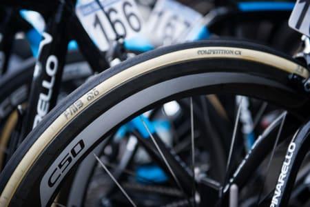 SOLID: Edvald kjørte Shimano C50 hjulsett med FMB Competition CX under Flandern. Dekket ble observert inkognito på flere andre sykler.