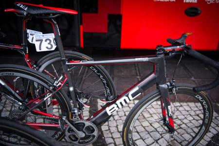 GRAN FONDO: BMC kjørte stort sett med Gran Fondo-sykkelen under Flandern. Hushods sykkel var satt opp med 140mm stem og styre med klassisk bøy.