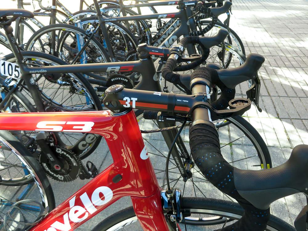 <b>NOEN LAVERE:</b> Cervelos sykler er laget først og fremst med tanke på menigmann. Proffene må tilpasse seg standardsyklene, snarere enn motsatt.