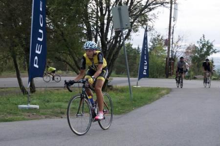 POPULÆRT: I år er det rekordmange påmeldt til Hope Challenge i Grefsenkollen, der deltakerne sykler opp og ned samme bakken for å samle høydemeter. Foto: Bjørn Saksberg