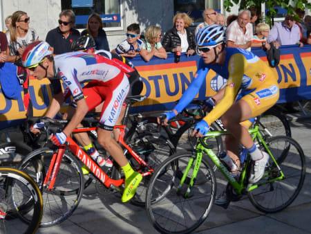 Sven Erik Bystrøm havnet bakpå fra start, men var raskt oppe i teten, her med Petter Theodorsen.