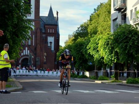 Avstanden bakover til Edvald økte jevnt og trutt, MTN-rytteren var nok fortsatt sliten etter Touren.
