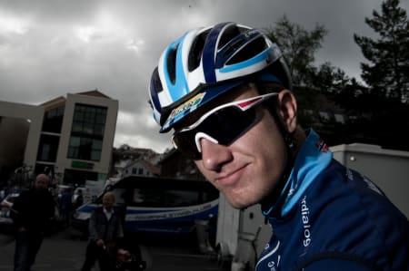 STOR: Oskar Svendsen er yngst, men også desidert størst rent fysisk på laget.