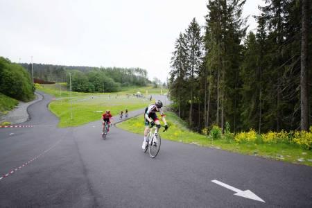 SIKRER ETTERVEKSTEN: SK Rye tar nå i bruk rulleskianlegg til å arrangere heatbaserte miniritt. Det skal hjelpe på rekrutteringen til sporten. Foto: Øystein Heggelund Dahl.