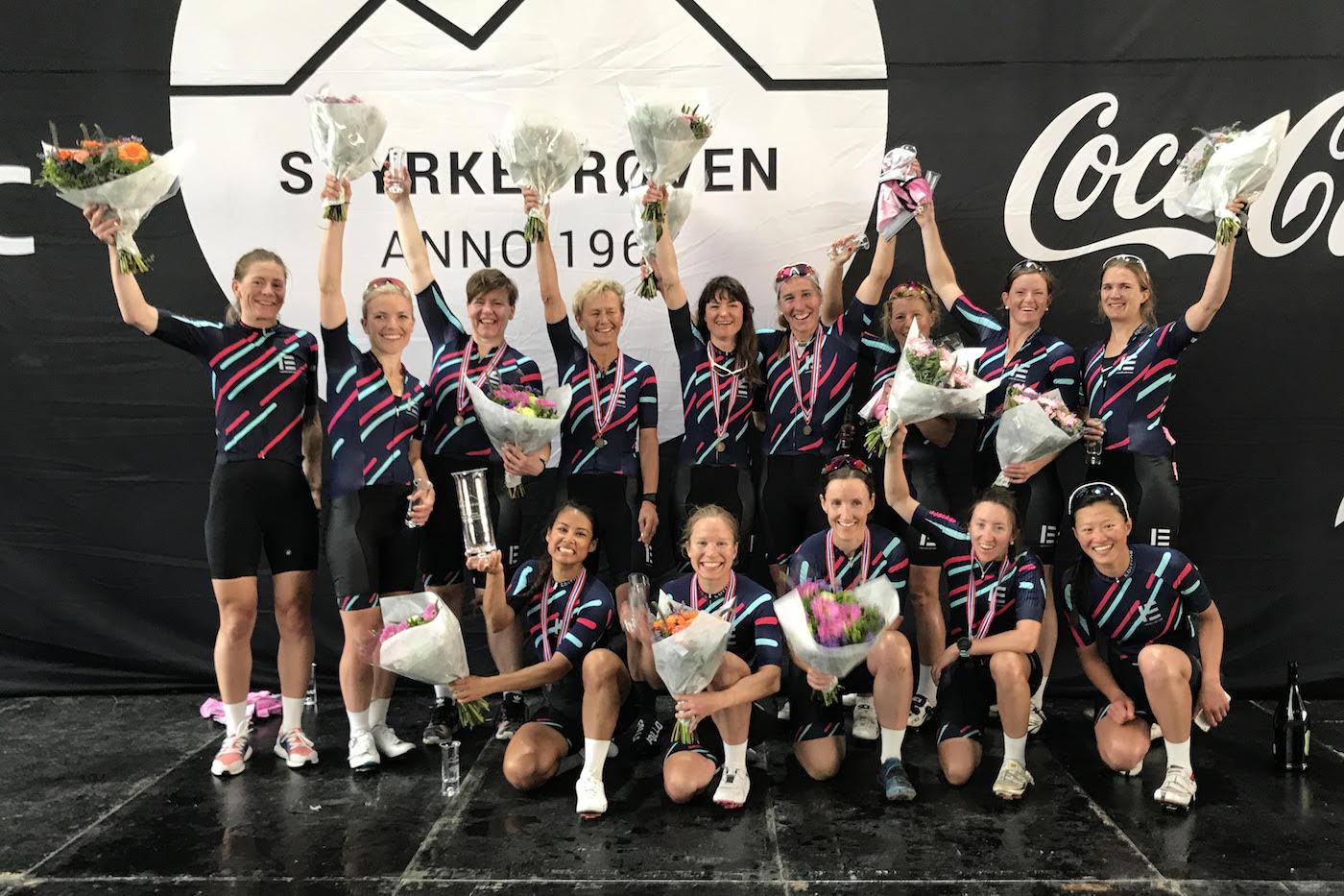 REKORDLAG: Ladies Edition Race Team slo gjeldende damerekord med 22 minutter. Foto: Helge Langen