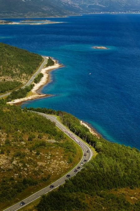 UTSATT: Langs kysten er det alltid fare for vind, noe vi så mindre til i Nord-Norge.