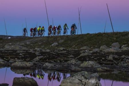 Jotunheimen Rundt byr på 430 kilometer og 4609 høydemeter mellom start i Lærdal og målgang i Sogndal. Fra neste år overtar Styrkeprøven AS driften av rittet. Foto: Per-Eivind Syvertsen