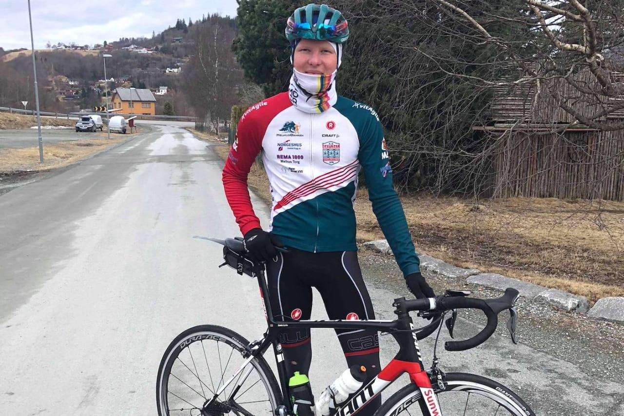 SATSER: Sondre Svensli sykler for Gauldal IL og satser fulltid på sykkel med ambisjon om proffkontrakt.