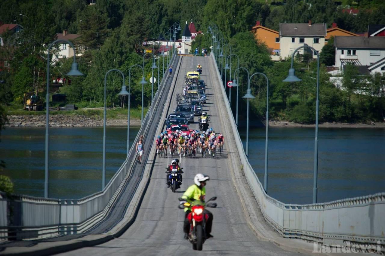 DYRT: Med nye krav til løypevakter og sikkerhet rundt sykkelritt på veg, frykter arrangørene at det blir både dyrt og vanskelig å gjennomføre sykkelritt i Norge. Foto: Henrik Alpers