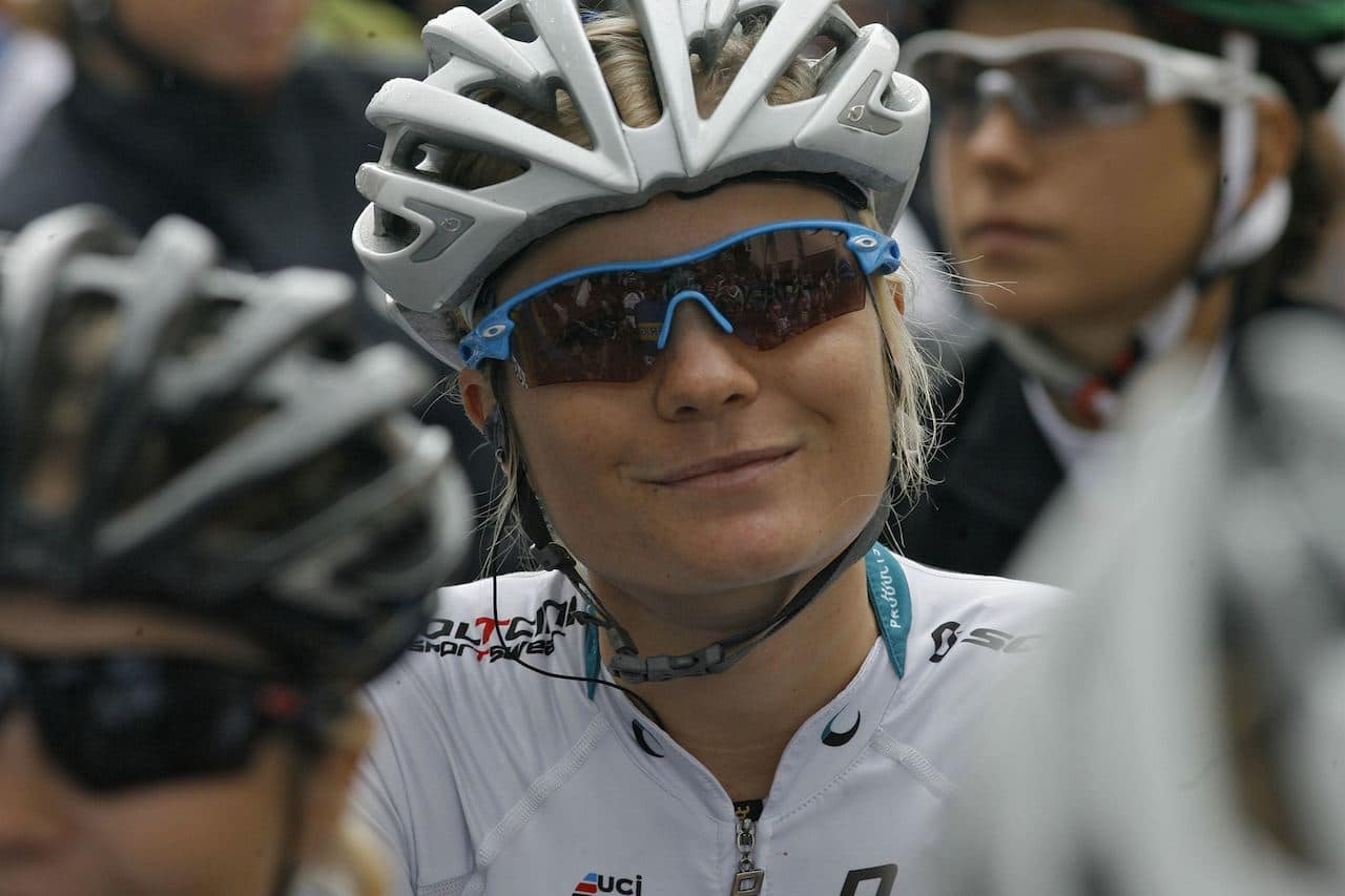FULL LØNN? Emilie Moberg er en av våre sterkeste kvinnesyklister. Hadde hun vært mann hadde hun hevet full lønn. Foto: Cor Vos.