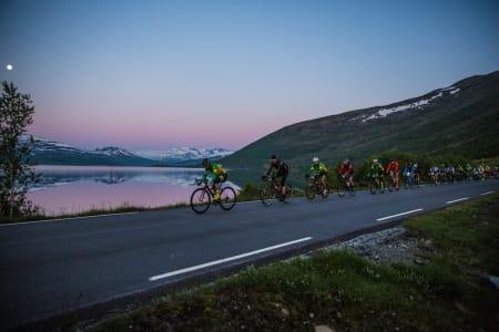 KUPERT: Jotunheimen Rundt inneholder flere bratte utforkjøringer. Rittet tillater sykler med skivebremser. Foto: Håvard Nesbø.