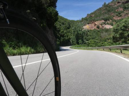 SPANIA PÅ TVERS: Det går for det meste rett vest fra Barcelona til San Sebastian,  men det svinger godt i starten. Alle foto: Øyvind Aas