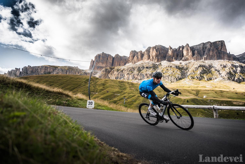 VERDENS BESTE SVINGER: Glad i å sykle utfor? Sella Ronda i Dolomittene er kanskje verdens beste sted for akkurat det.