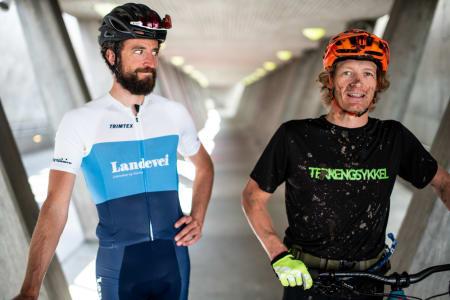 VS: Er det mulig å sammenlikne landevei- og terrengsykling? Henrik Alpers og Øyvind Aas prøver seg. Bilde: Christian Nerdrum