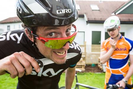 MED KNIVEN PÅ STRUPEN: Slik har nok Tour de France føltes for mang en utslitt rytter. Foto: Christian Nerdrum.