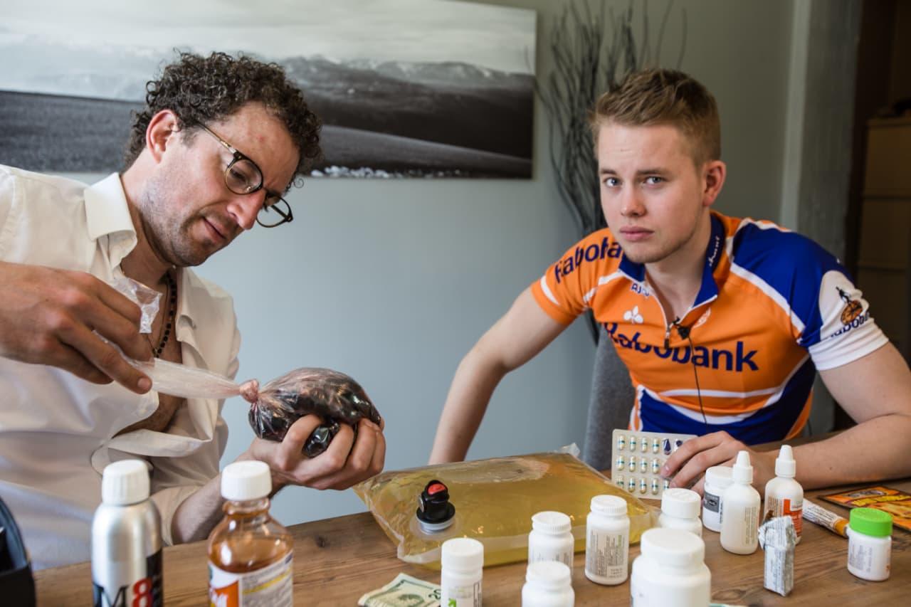 PREPARATFEST: Ikke vær så redd for piller da mann! Foto: Christian Nerdrum.