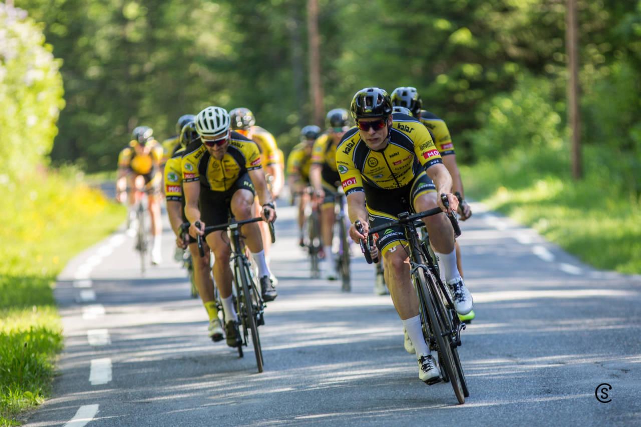 BOC sykler Tyrifjorden rundt