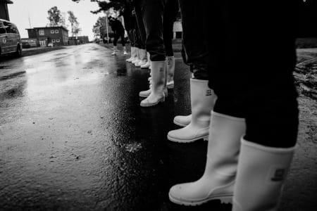 STØVELLAND: Der kan alt gå an, så lenge du har gummistøvler. I ti cm dyp gjørme vil du ikke ha noe annet, tro oss!