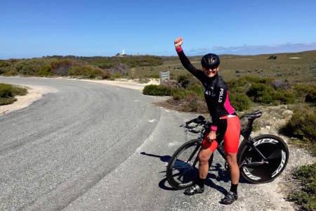 TEMPO-GULL til Sissel Vien på veteran-VM i Australia torsdag. Hun vant med over ett minutt. Foto: Privat