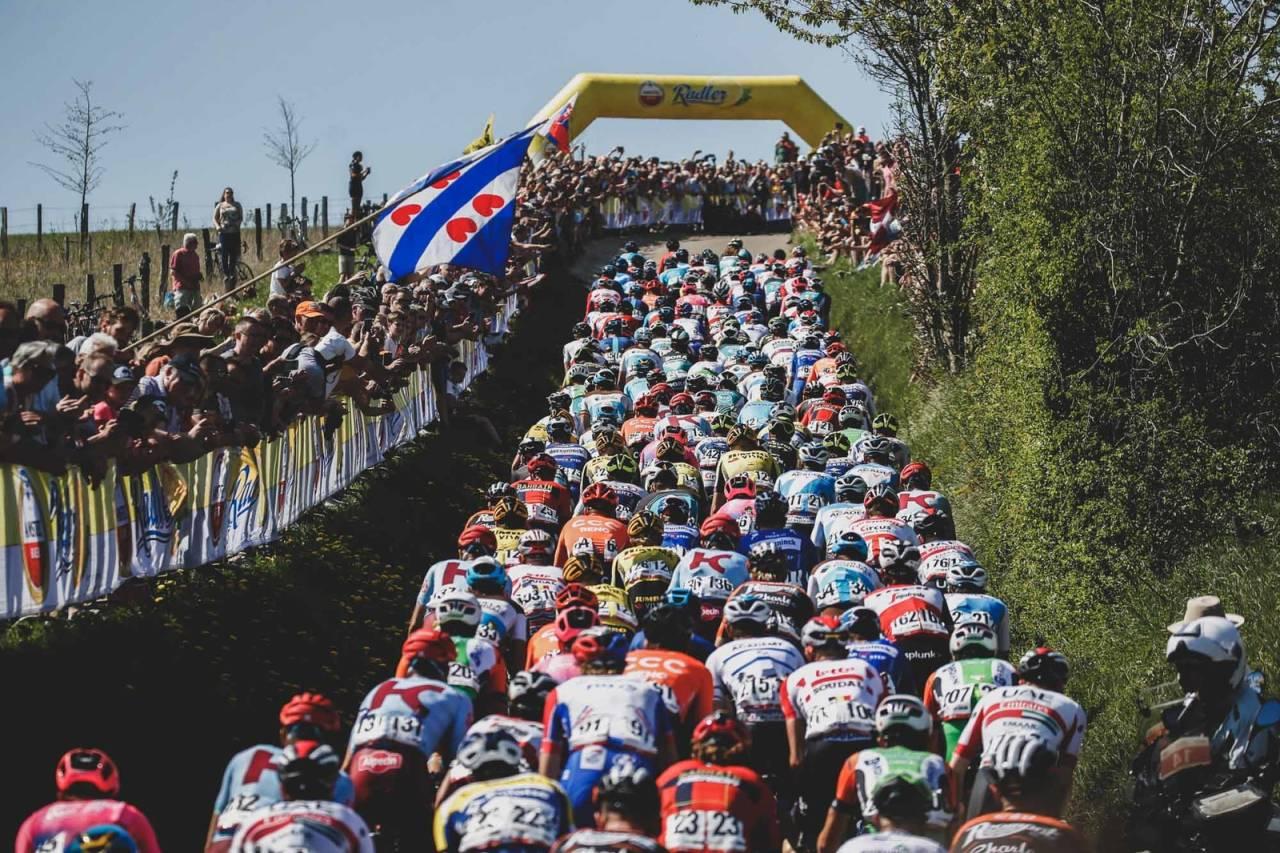 MANGE BAKKER: Amstel Gold Race - bakkene er mange og bakkene er lange. Foto: Cor Vos.