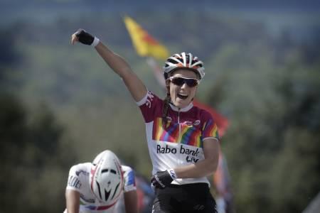 LEKKERT: Pauline Ferrand-Prévot vant i 2014 damenes La Flèche Wallone med eleganse. Men hva med oss? Foto: Cor Vos.