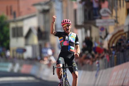 VANT: Alberto Bettiol gikk til topps på den 18. etappen av Giro d'Italia. Foto: Giro d'Italia