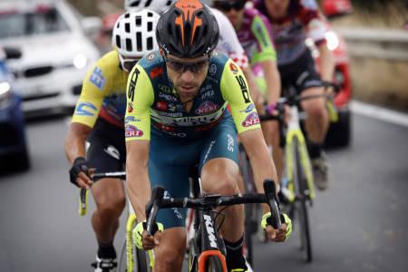 TREKKER SEG: Giovanni Viscontis lag, Vini Zabù, deltar ikke i årets Giro d'Italia etter en positiv dopingprøve i laget. Foto: Cor Vos