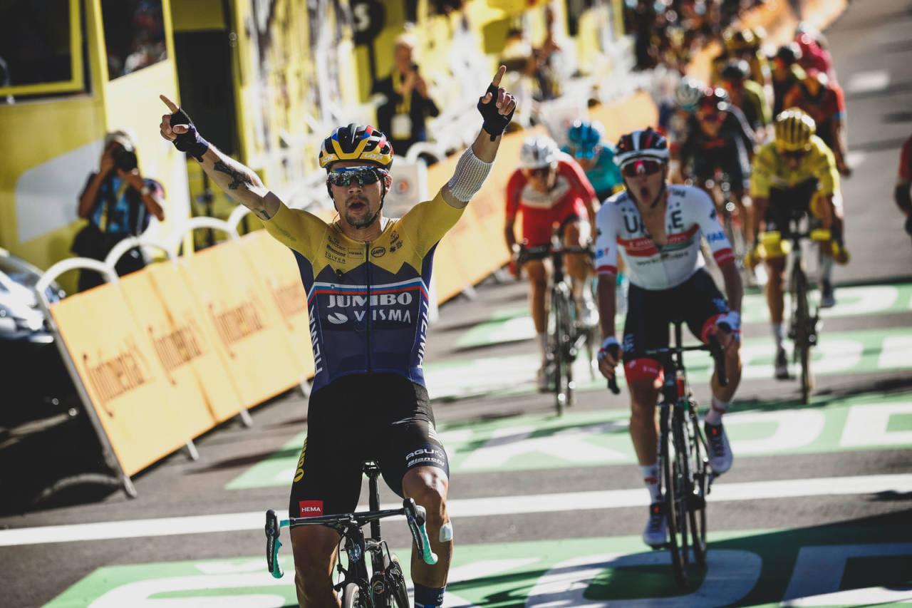 OVERLEGEN: Primoz Roglic knuste all motstand på den første etappen der sammenlagtfavorittene viste seg frem. Foto: Cor Vos.