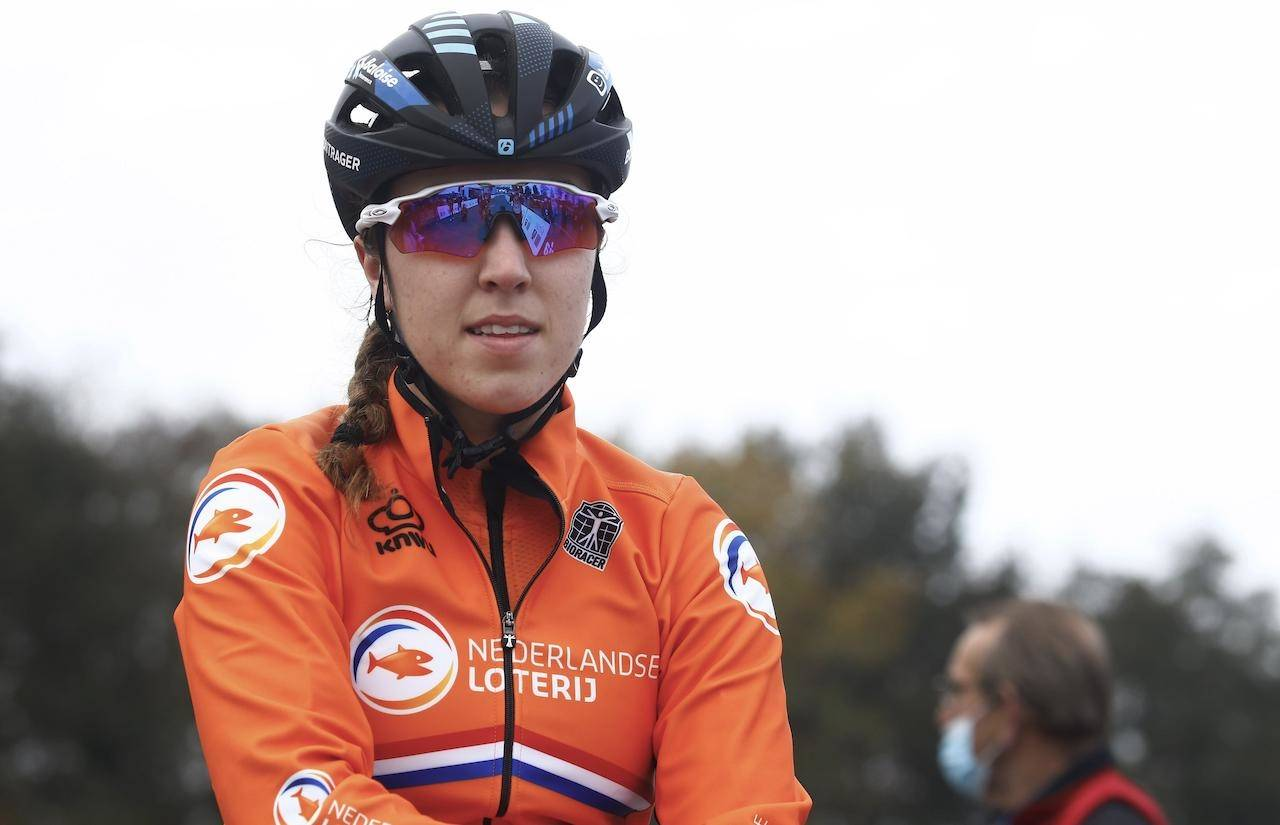 KUTTSKADE? Shirin van Anrooij ble angivelig skadet av en roterende bremseskive under helgens verdenscup i cyclocross. Foto: Cor Vos.