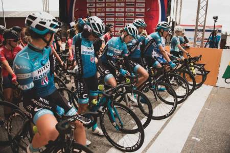 SLAKTES: Gerry Helders gir norske kvinnelige syklister det glatte lag på Facebook. NRK brukte siden Helders som kilde i en sak. Illustrasjonsfoto: Henrik Alpers.