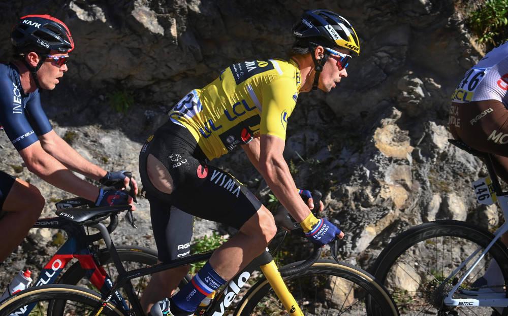 ENORM NEDTUR: Alt som kunne gå galt, gikk galt for Primoz Roglic på siste etappe av Paris-Nice. Foto: Cor Vos