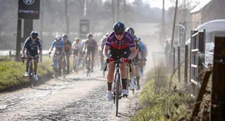 KLART FOR PARIS-ROUBAIX: Endelig skal kvinnene også få sykle Paris-Roubaix. Illustrasjonsbilde fra årets Le Samyn Dames. Foto: Cor Vos