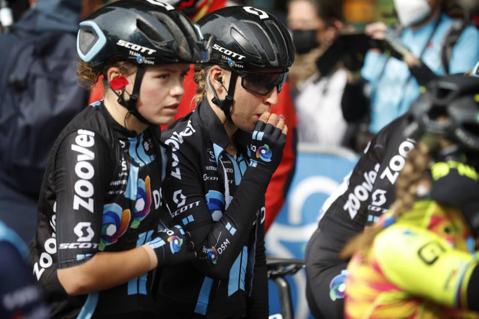 VELTET UT: Susanne Andersen, her på startstreken i Denain med lagvenninne Franziska Koch, kom ikke langt i Paris-Roubaix. Foto: Cor Vos