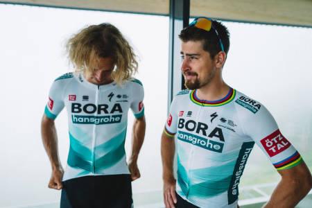 NYTT LAG: Peter Sagan signerer for TotalEnergies, og får med seg Daniel Oss videre. Foto: Bora-Hansgrohe.