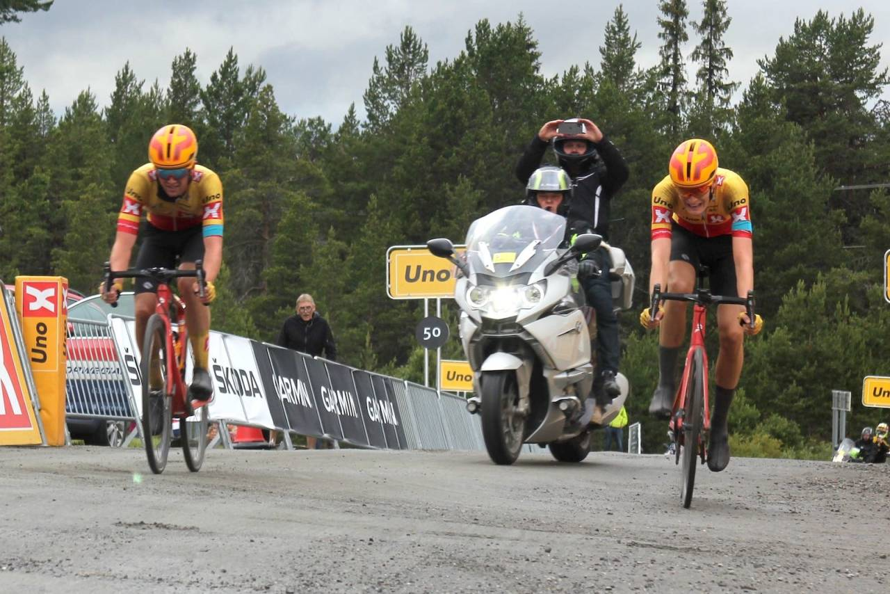 Idar Andersen spurtslo Markus Hoelgaard på Tour de Fjells 2020
