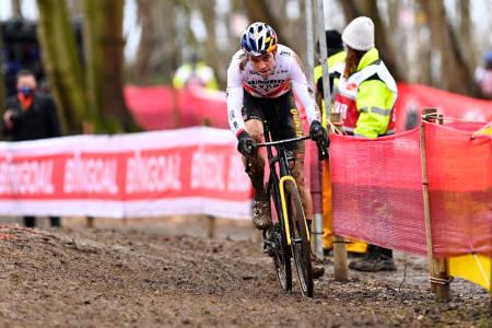 CROSS: Wout van Aert vant forrige sesongs verdenscupcross i Overijse. Foto: Cor Vos