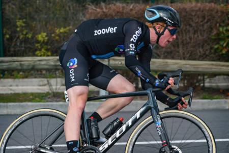 BROSTEINSTEST: Andreas Leknessund, her under Team DSM-debuten i Tour de la Provence, får testet seg ordentlig på brostein i KBK. Foto: Cor Vos