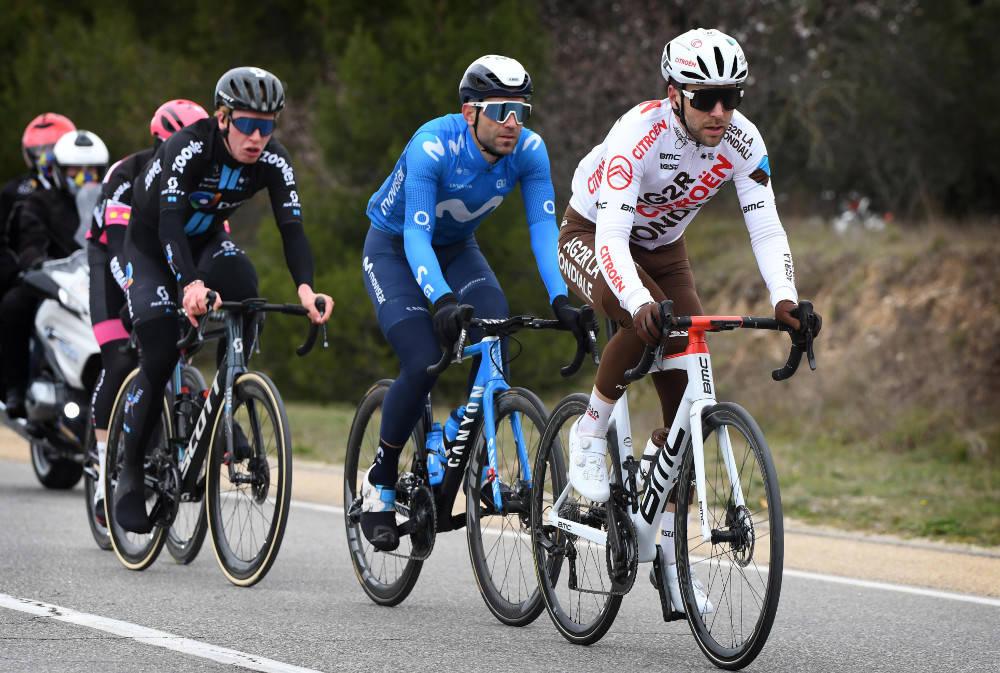 I BRUDD: Andreas Leknessund (i sort drakt) gikk i brudd på den fjerde etappen av Tour de la Provence. Foto: Cor Vos