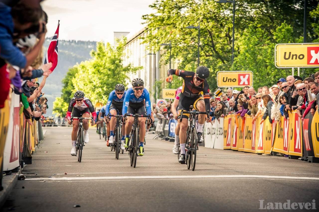 NORGESMESTER: Herman Dahl fra Sparebanken Sør kunne juble for sitt første NM-Gull i kveld. Foto: Henrik Alpers.