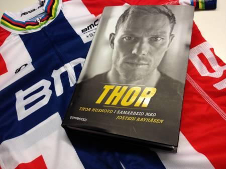UTE NÅ: Thor Hushovds selvbiografi Thor, nå tilgjengelig i bokhandelen. Foto: Henrik Alpers.