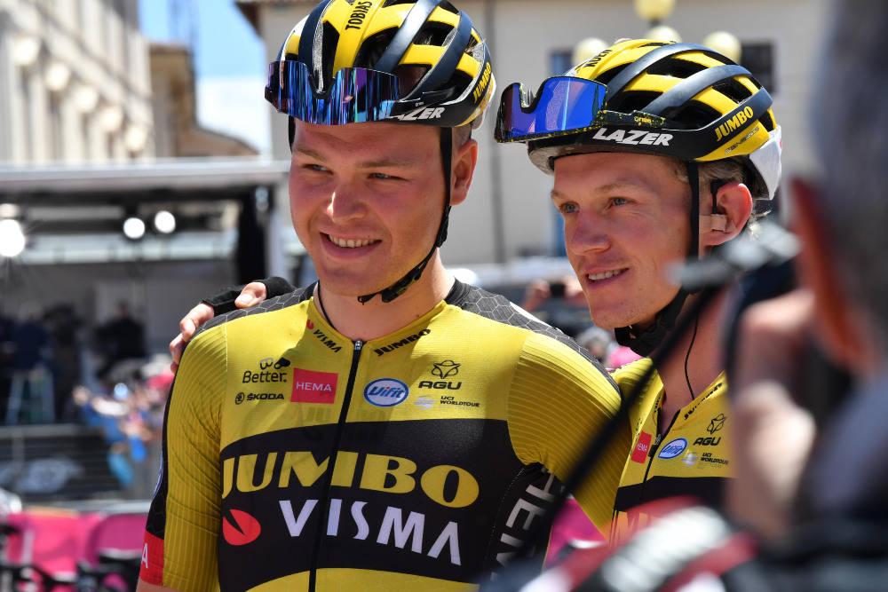 FORLENGET: Tobias Foss blir i Jumbo-Visma, og det samme gjør lagkamerat Koen Bouwman. Foto: Cor Vos