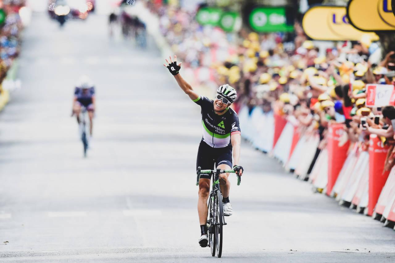 GODE MINNER: Edvald Boasson Hagen har gode minner fra Tour de France, her fra etappeseieren i 2017. I år er presset stort på ham. Foto: Cor Vos.