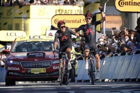 DOBBELTSEIER: Ineos Grenadiers tok igjen for alt som har gått galt så langt i Tour de France. Foto: Cor Vos.