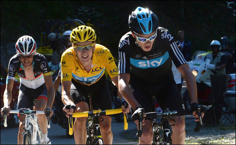 KONFLIKTFYLT TOUR: Chris Froome må føye seg som hjelperytter for Bradley Wiggins i Tour de France 2012. Foto: Cor Vos