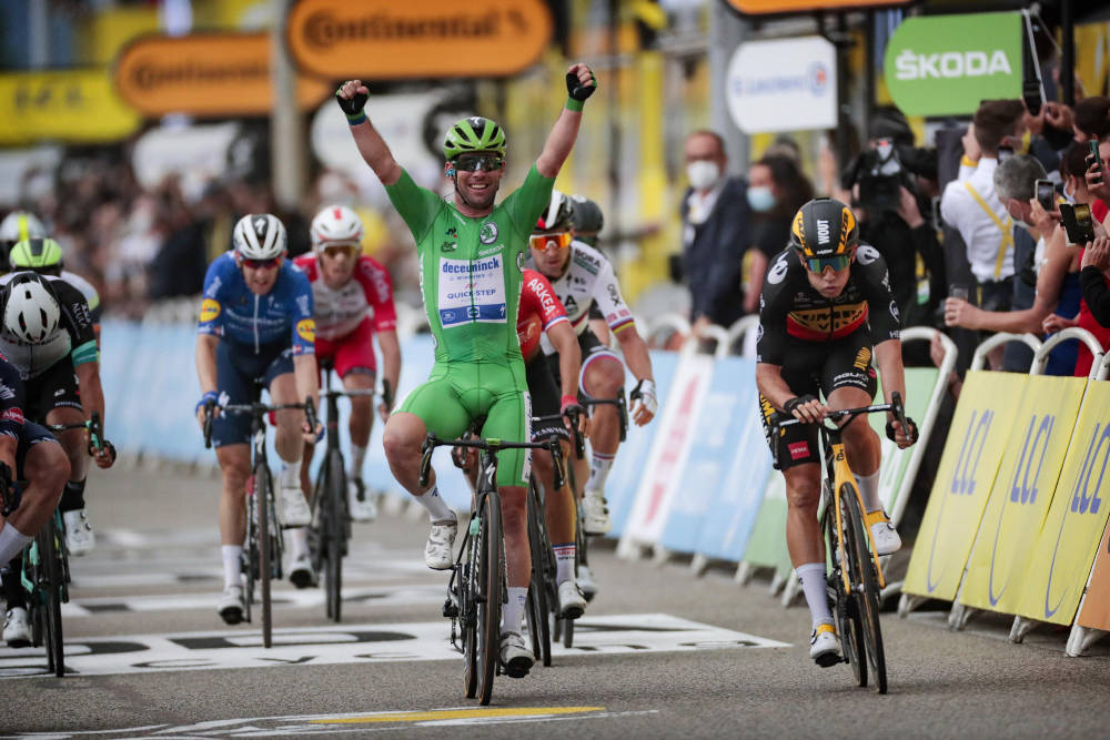 VANT IGJEN: Mark Cavendish tok sin tredje etappeseier i årets Tour de France. Foto: Cor Vos