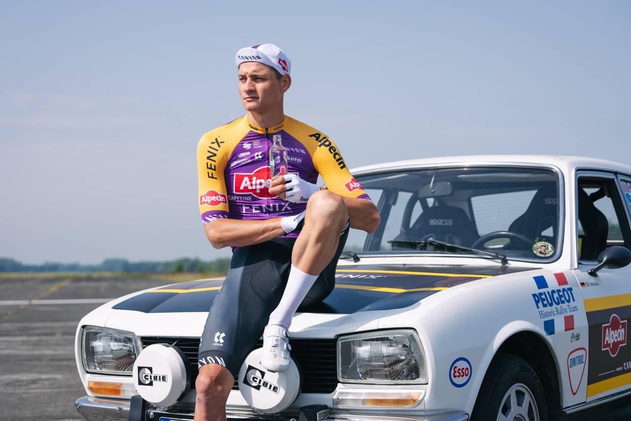 SPESIELL TRØYE: Mathieu van der Poel og Alpecin-Fenix skal sykle i en helt spesiell trøye på den første etappen av Tour de France. Foto: Alpecin-Fenix