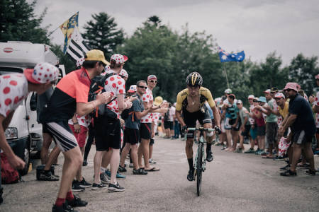 SLOVENSK TRIUMF: Primoz Roglic holdt unna for de jagende sammenlagtfavorittene og vant dagens etappe i Alpene. Foto: Kristof Ramon