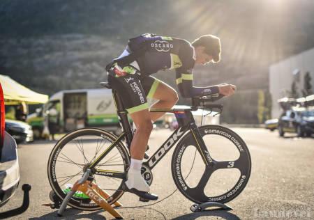 FOKUSERT: Vegard Breen har vist at han er i form. Her varmer han opp før NM-tempoen. Foto: Henrik Alpers